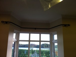 simple bay window pole